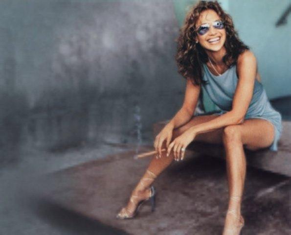 Smokin' Celebrity Review Jennifer Lopez